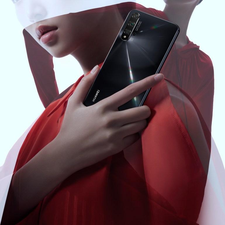 В Украине начинаются продажи 6,26-дюймового смартфона Huawei nova 5T с чипсетом Kirin 980, пятью AI-камерами и NFC по цене 11999 грн - ITC.ua