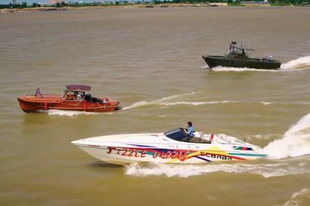 Кларксон, Мэй и Хаммонд сняли спецсерию автошоу The Grand Tour: Seamen о путешествии на лодках по Меконгу [трейлер]