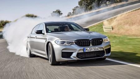 BMW M: «Электрические силовые установки все еще недостаточно хороши для нас, а выпускать электрокары чисто ради хайпа мы не собираемся»