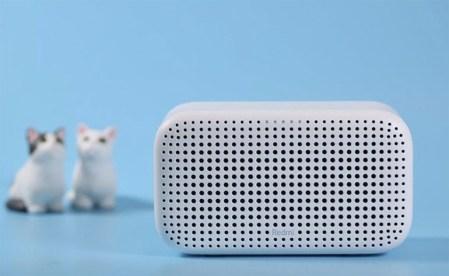 Анонсированы умная колонка Redmi XiaoAI Speaker Play за $11 и роутер Redmi AC2100 с шестью антеннами за $24