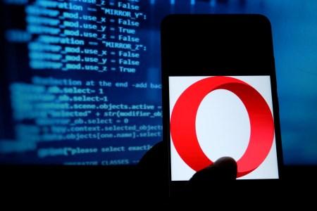 Назревает новый скандал. Opera в обход правил Google Play разместила приложения для микрозаймов со ставкой до 438% годовых