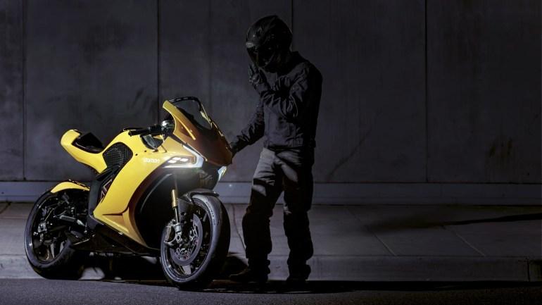 Damon Hypersport - электрический мотоцикл-трансформер с внушительным пробегом на одной зарядке и ИИ-системой помощи наезднику
