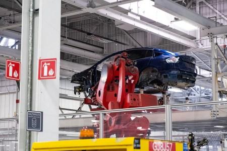 По итогам 2019 года Tesla реализовала 367 500 автомобилей — больше, чем за два предыдущие года вместе взятые
