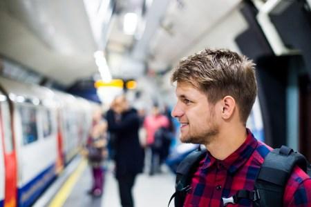 Vodafone успешно протестировал 4G в киевском метро, в ближайшие дни он заработает для всех на «Академгородке» и ближайших станциях (9 станций в первом полугодии, полностью — до конца года)