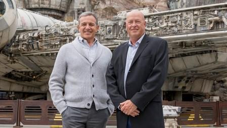 У Disney новый гендиректор — Боб Чапек. Бывший глава Боб Айгер теперь сосредоточится на творческом направлении бизнеса