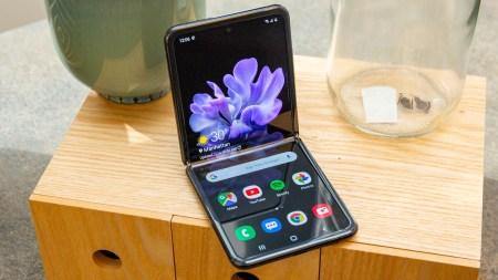 Samsung показала финальную часть сборки гибкого смартфона Galaxy Z Flip [Видео]