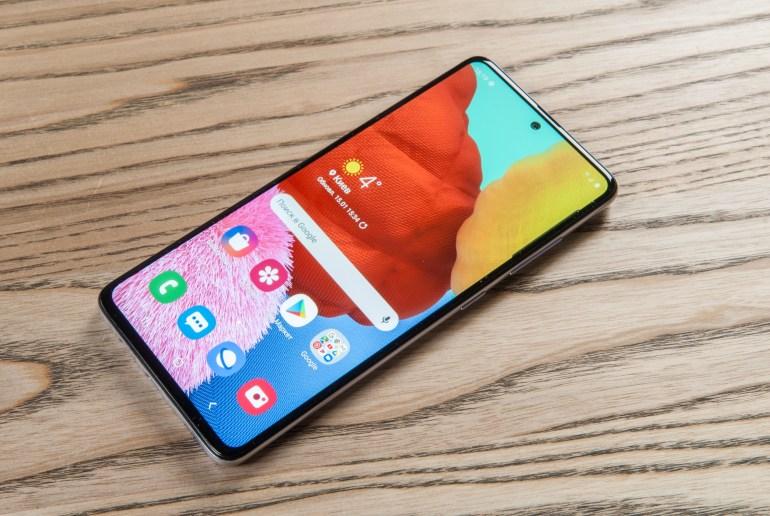 10 популярных смартфонов среднего ценового сегмента