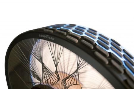Goodyear разработала концептуальную самовосстанавливающуюся шину reCharge с настраиваемым составом протектора