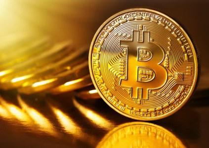 Цена Bitcoin за 2 дня упала на 50%, это один из крупнейших спадов за всю историю криптовалюты