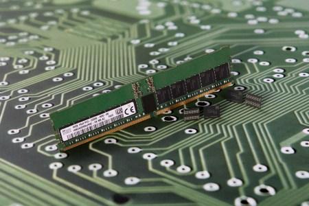 24 Гбит и DDR5-4800 для первого поколения. SK Hynix начнет выпускать чипы DDR5 уже в этом году