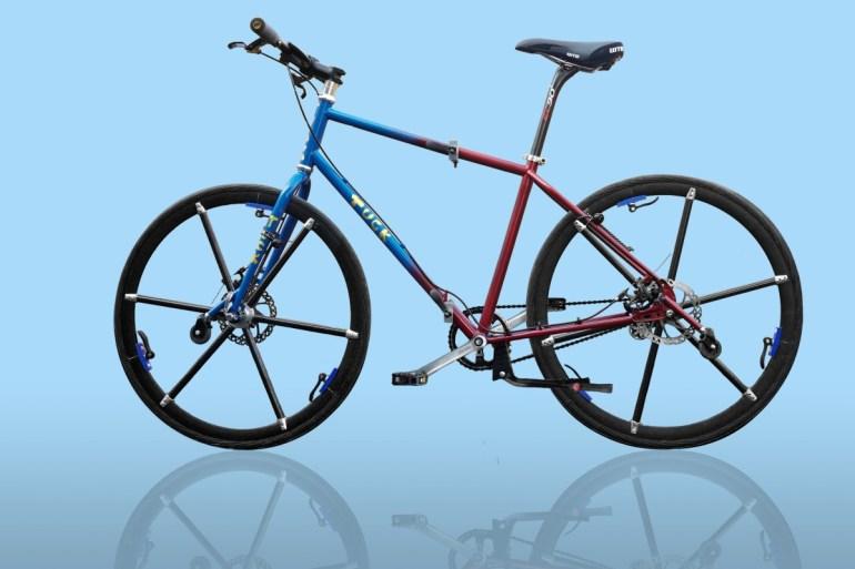 Анонсирован велосипед соскладными колесами Tuck Bike. В сложенном виде его можно везти за собой, как кравчучку