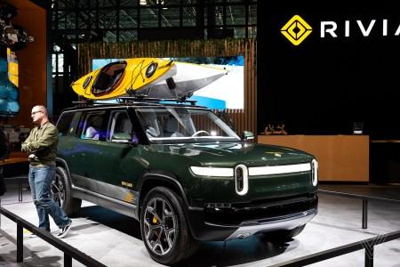 Ford и Lincoln отказались от проекта электрокроссовера на основе скейтборд-платформы Rivian из-за коронавируса, но продолжат сотрудничать позже