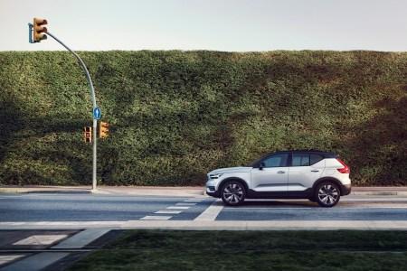 Volvo Cars и Veoneer разделили разработчика систем автономного управления Zenuity на две части, в результате уже следующее поколение автомобилей Volvo получит беспилотные возможности