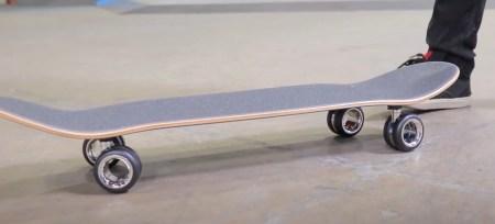 700-долларовые колесики для Mac Pro прикрепили к скейтборду (все очень плохо!)