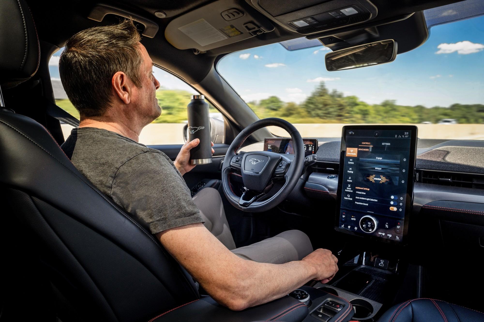 Ford представил новую систему автономного вождения Ford Co Pilot360 с возможностью движения без рук на руле первым его получит электрокроссовер Ford