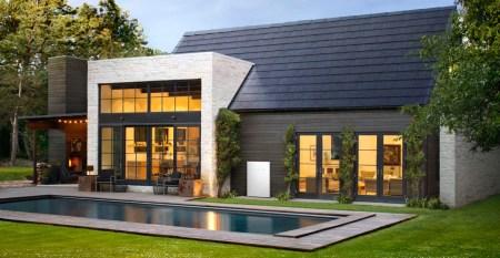 Tesla начинает отменять некоторые предварительные заказы на солнечную черепицу Solar Roof