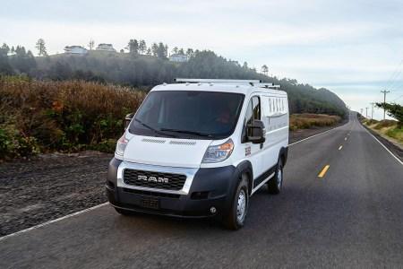 Waymo и Fiat Chrysler совместно выпустят беспилотный грузовой минивэн Ram ProMaster для служб доставки