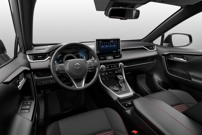 """""""Найдите пять отличий"""": Осенью в Европе начнут продавать кроссовер Suzuki Across, который представляет собой перелицованный Toyota RAV4"""