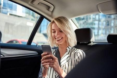 Uber запустил в Украине новую опцию оплаты Uber Cash с акционным пополнением для владельцев карт Visa