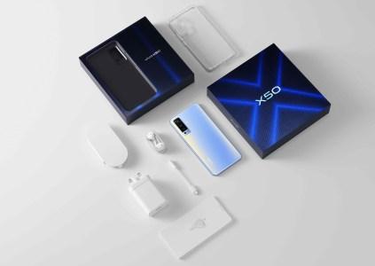 В Украине стартуют продажи флагманских камерафонов серии vivo X50 по цене от 16 тыс. грн