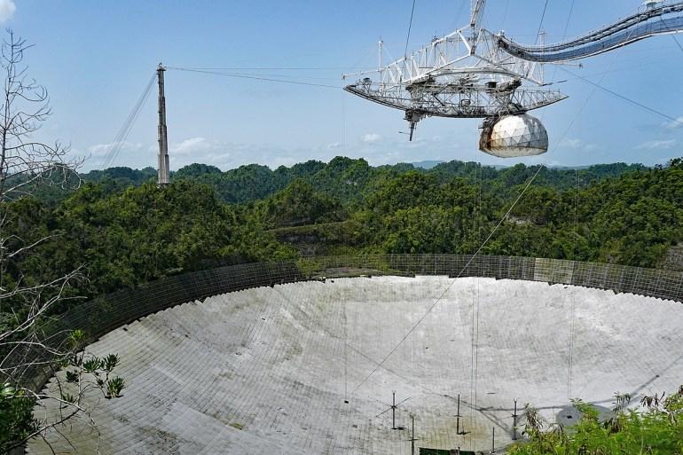 Лопнувший трос повредил антенну радиотелескопа Аресибо