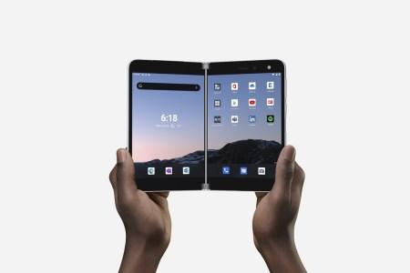 Двухэкранный смартфон Microsoft Surface Duo на Android выйдет 10 сентября, а стоить будет — $1400
