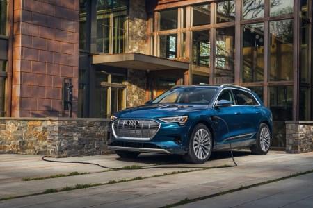 Audi e-tron 2021 года получит прибавку к запасу хода (с 330 до 360 км) и подешевеет на $9 тыс.