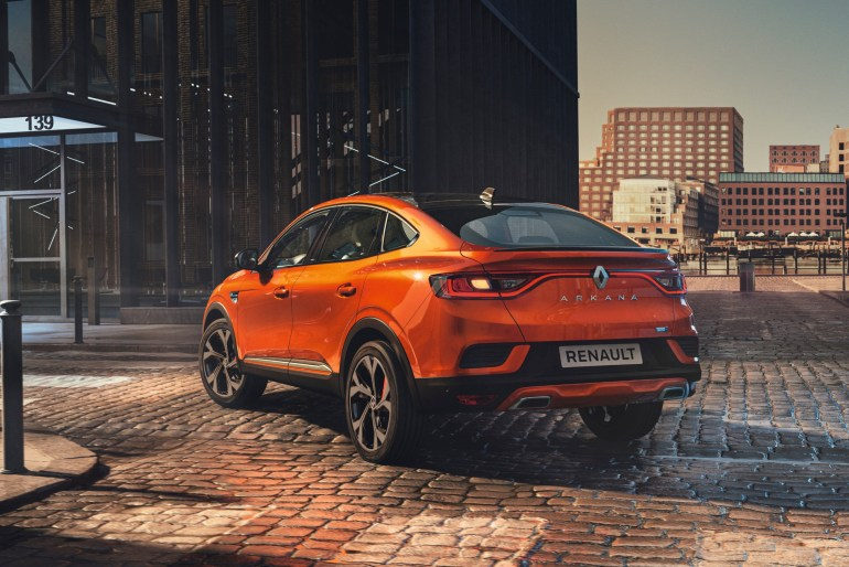 """В 2021 году кроссовер Renault Arkana начнут продавать в Европе, но это будет """"корейская"""" сборка с гибридными двигателями и обновленным дизайном"""