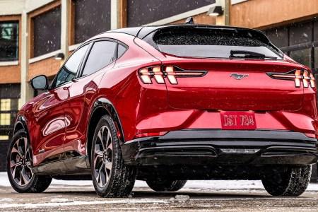 Электрокроссовер Ford Mustang Mach-E подешевел еще до старта продаж — снижение цены достигает $3000