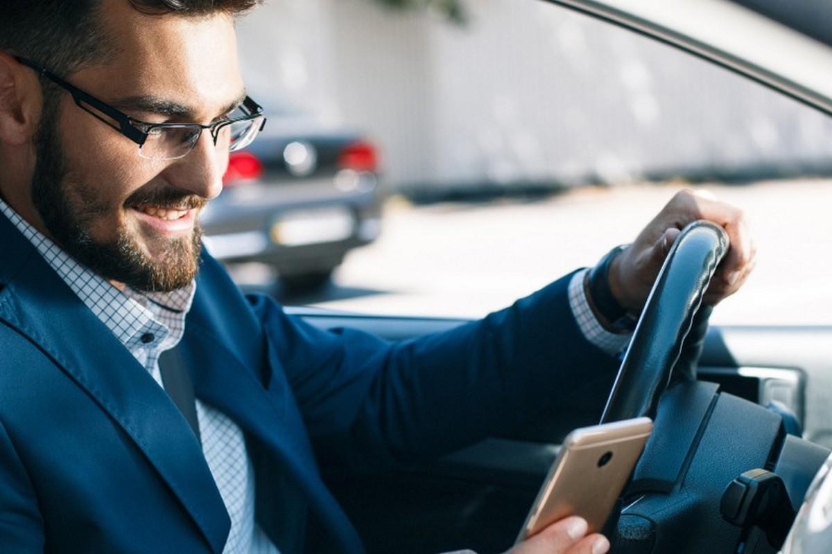 В приложении «Дія» появится функция передачи права управления автомобилем другому человеку