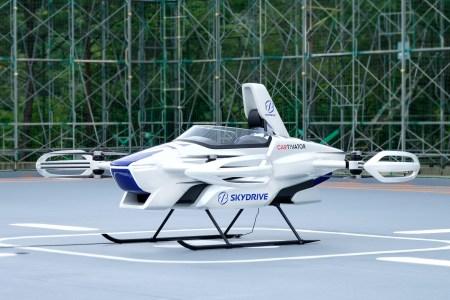 Японский стартап SkyDrive впервые продемонстрировал публике летающий электромобиль SD-03 [видео]