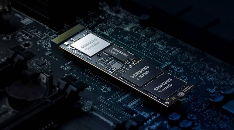 Накопитель Samsung SSD 980 PRO с интерфейсом PCIe 4.0 NVMe обеспечивает скорость чтения/записи до 7000/5000 МБ/с