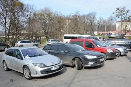Львов объявил о льготных условиях для мировых автопроизводителей, которые захотят построить завод по сборке электромобилей на территории города