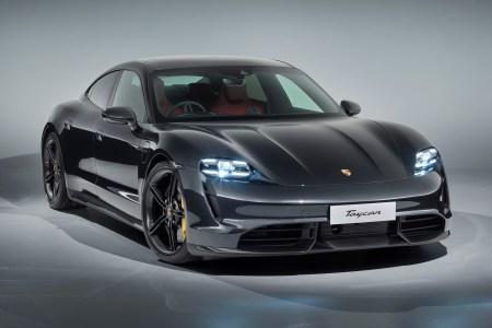 Электромобиль Porsche Taycan разошелся тиражом более 10 тыс. штук, с такими темпами до конца года объем продаж может вырасти до 25 тыс.