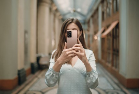 Камера смартфона Galaxy Note20 Ultra заняла 10-е место в рейтинге DxOMark