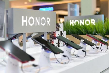 Reuters: Huawei продает бренд Honor консорциуму во главе с Digital China за $15 млрд