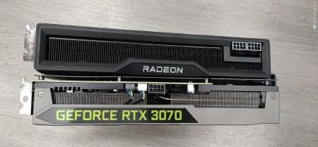 Фото: Radeon RX 6800 XT бок о бок с GeForce RTX 3070