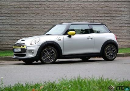 Тест-драйв электромобиля MINI Cooper SE: стиль и драйв всему голова