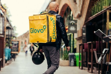 Сервис курьерской доставки Glovo запустил опцию самовывоза (без платы за доставку), Украина стала третьей страной мира с данной функцией