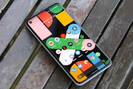 Google: «Зазоры между корпусом и экраном Pixel 5 — это норма и никак не влияет на влагозащиту»