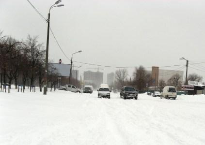 В полиции хотят законодательно обязать владельцев легковых автомобилей менять летние шины на зимние