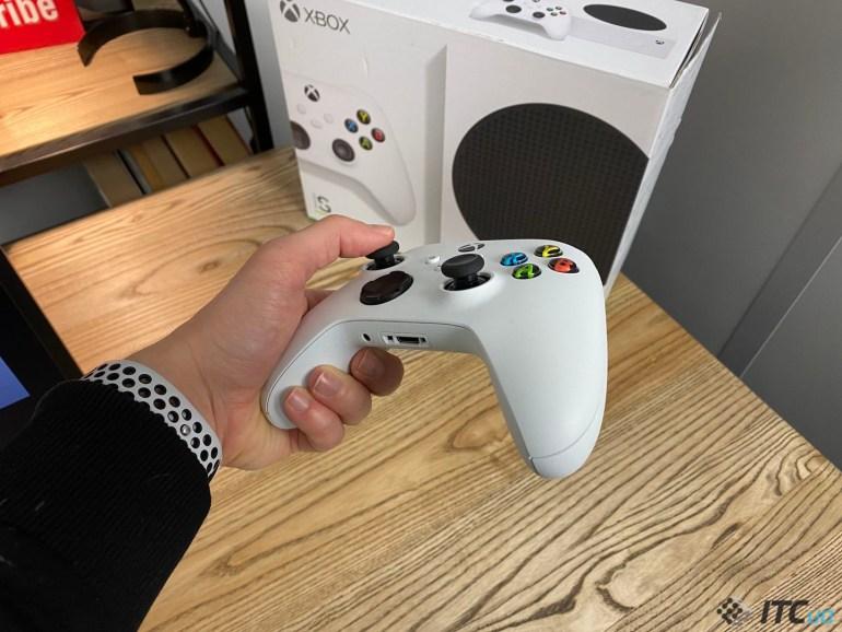 Xbox Series S - один месяц с новой консолью