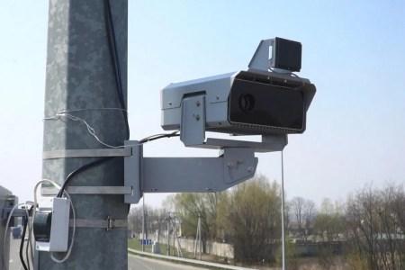 В Киеве включили первую камеру, которая фиксирует пересечение полосы общественного транспорта — за день она зафиксировала более 1000 таких нарушений