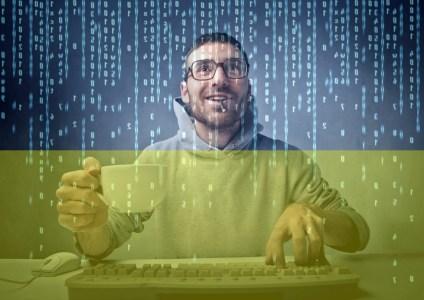 DOU.UA: Сколько зарабатывают украинские IT-разработчики с учетом языка программирования, уровня и других особенностей (в среднем — $2500)