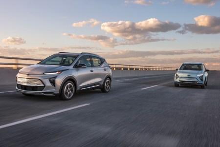 Chevrolet представил обновленный электрохэтчбек Bolt EV и новый электрокроссовер Bolt EUV: 200 л.с., 65 кВтч, запас хода 400+ км и ценники от $32 тыс.