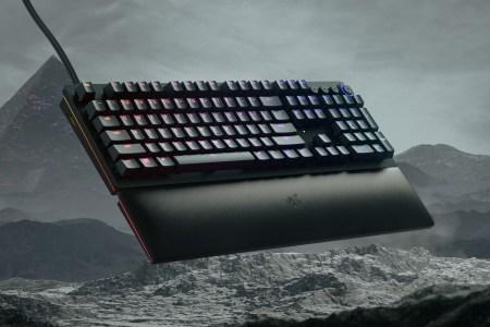 Razer представил клавиатуру Huntsman V2 Analog с аналоговыми оптическими переключателями с возможностью точной регулировки двухступенчатого срабатывания