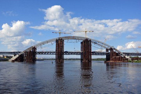 Подільсько-Воскресенський міст готовий добудувати «Укравтодор», але на це потрібно ще півтора року