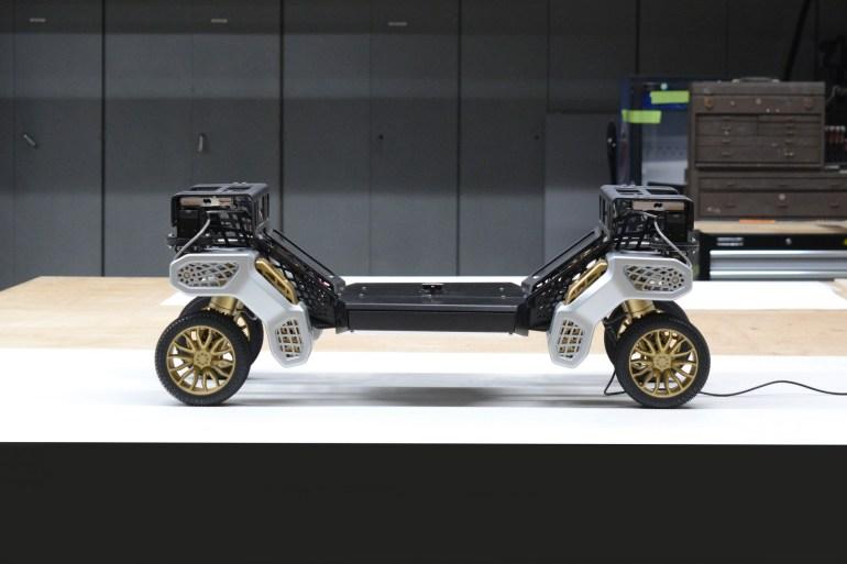 Hyundai представил концепт беспилотного робота-трансформера TIGER, который может переключаться между колесным и шагающим режимами