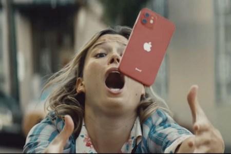 «Расслабьтесь, это же iPhone»: Apple рекламирует «сверхпрочное» керамическое покрытие экрана iPhone 12