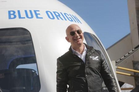 «Время пришло»: Blue Origin тизерит скорый старт продаж билетов на первый пилотируемый полёт ракеты New Shepard